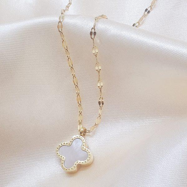 Clover necklace black&white
