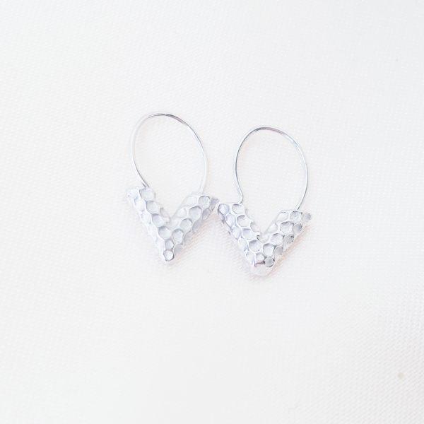 v earrings silver
