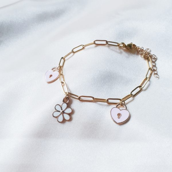 heart daisy bracelet
