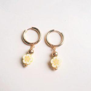 flower earrings yellow