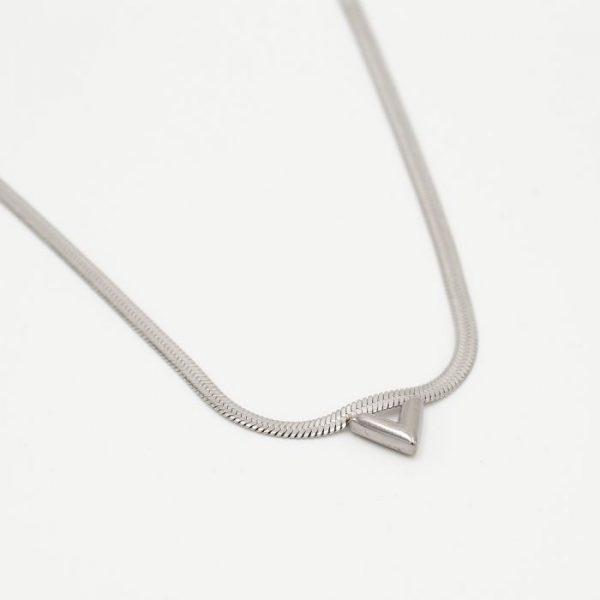 flat v necklace silver